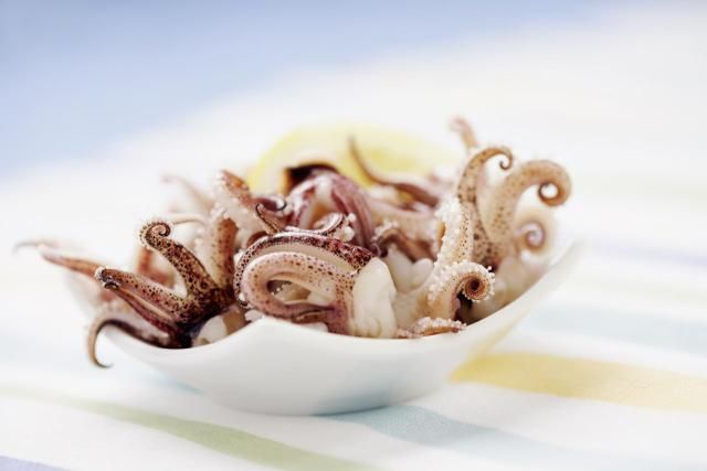 Avoid rubbery squid by using proper cooking times. Get more cooking tips and hints for squid and calamari.