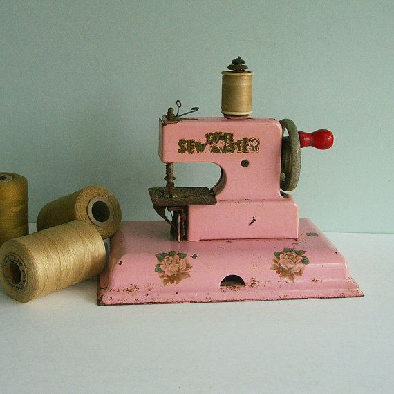 1940s KAYanEE Sew Master Toy Sewing Machine Pink with by tparty, $72.90