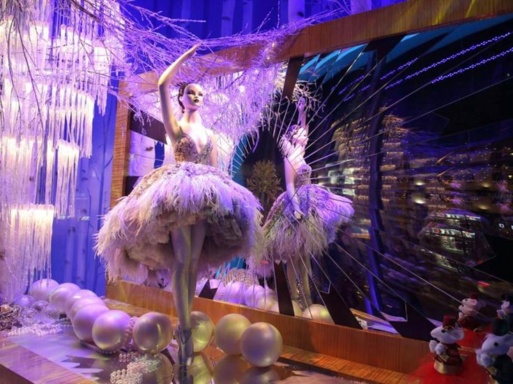 Best Christmas Windows Images On Pinterest Best Christmas - The 8 best holiday window displays in the world