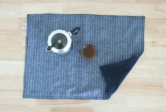 Set of Linen placemats.  - H 14X W 20 (about 35 x 50 cm) - one side plain Navy,another side striped - options: set of 2 / set of 4 (20%off)