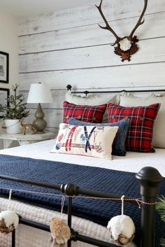 Savvy Southern Style: Christmas Rustic Cabin Guest Room