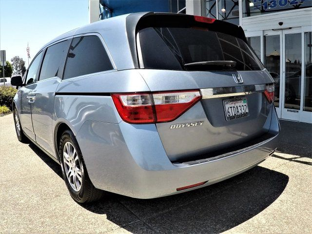 This is a great used 2011 Honda Odyssey Minivan EX-L w/Nav, great addition for you and your family.