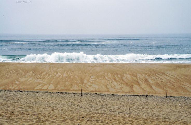 Costa Nova - Strati di mondo Explore - Celeste Messina - Costa Nova - Lungo la spiaggia  Una delle esperienze più indimenticabili del mio viaggio in Portogallo è stata questa: l'oceano. Erano anni che non lo rivedevo l'avevo lasciato in Irlanda... http://ift.tt/2dOIL0G IFtemppicpinned in Building blocksdownld in ios #October 7 2016 at 09:32AM#via IF