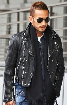 882b093e0aa The Burberry Prorsum Quilted Leather Jacket is the best outfit to wear in  winters.