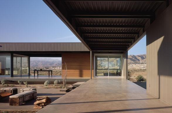 Marmol Radziner 'Desert House' prefab home