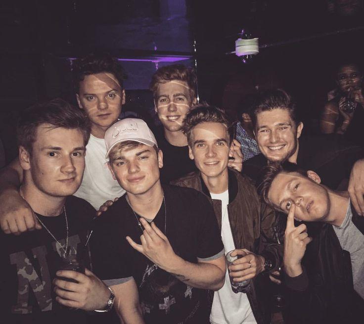 Josh Pieters, Mikey Pearce, Caspar Lee, Jack Maynard, Conor Maynard, Joe Sugg, and Oli White = The Boys <3