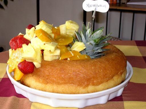 fruit confit, oeuf, lait, farine, levure de boulanger, beurre, rhum, sel, confiture d'abricot, crème chantilly, sucre