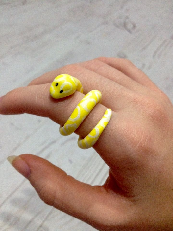 Yellow Snake ring~ Polymer Clay⭐️