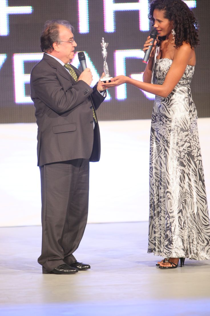 THE LOOK OF THE YEAR -  Lead Denny Mendez