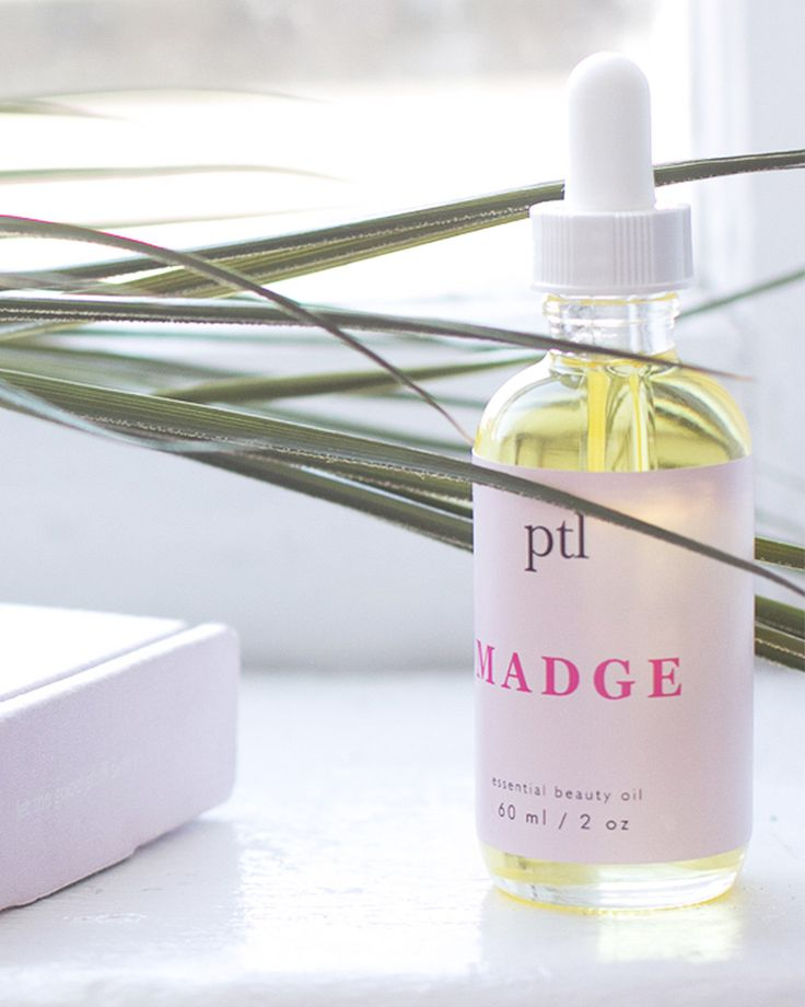 We make face oils from premium plant ingredients, for day, night, and touch-ups. Featuring argan, camellia, avocado, coconut oil and more.