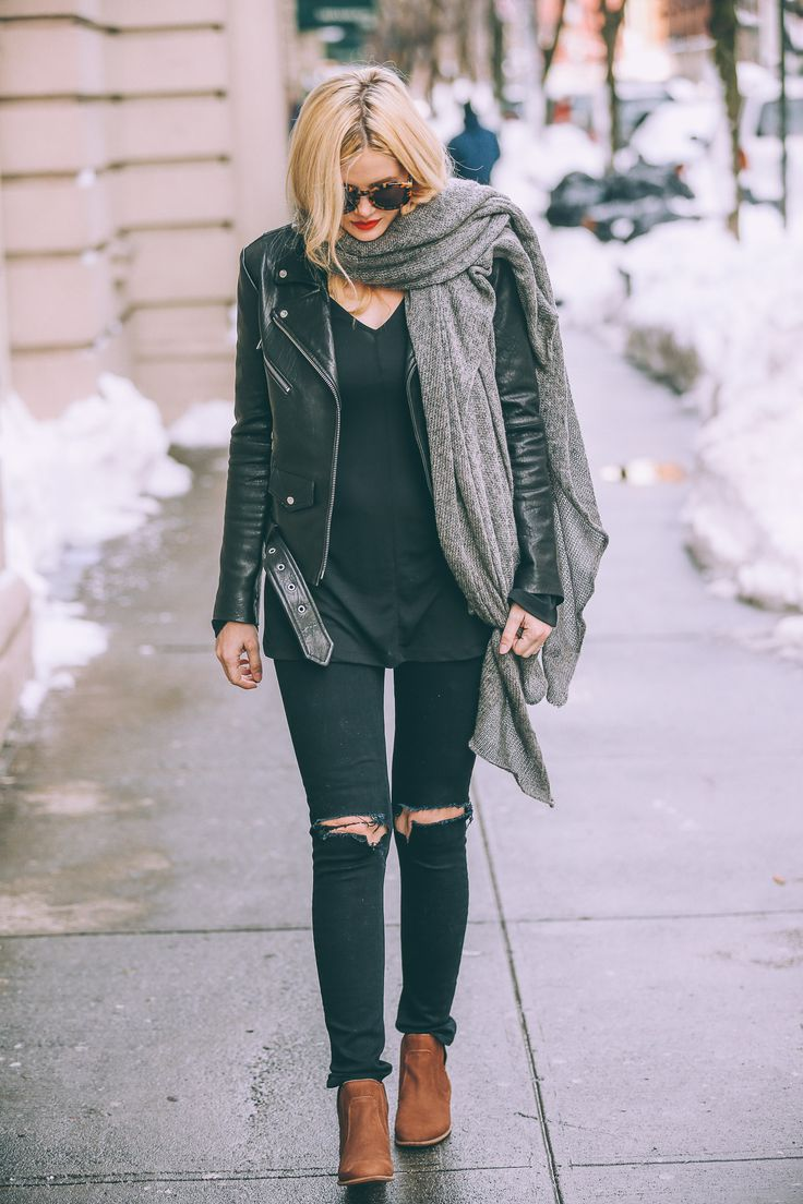moto jacket // black tee // ripped black skinnies // tan boots