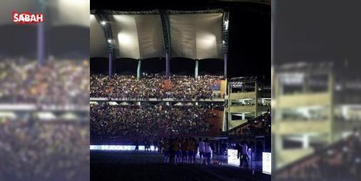Maçın ortasına ışıklar söndü 20 dakika beklediler! : Dünya Kupası Güney Amerika elemelerinde oynanan Venezuela-Brezilya maçı karanlıklara gömüldü.  http://ift.tt/2e5v16f #Spor   #oynanan #elemelerinde #Venezuela-Brezilya #maçı #gömüldü