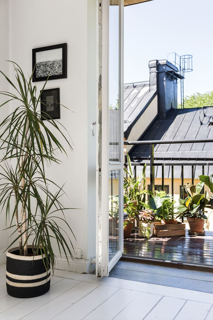 Balcony Livingroom Interior design Scandinavian Heleneborgsgatan 5 c | Fantastic Frank