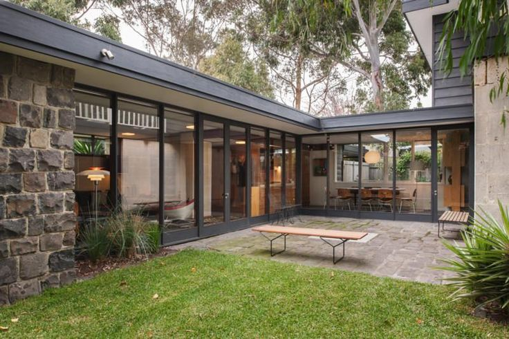 136 best courtyards mid century modern images on pinterest for Courtyard landscaping australia