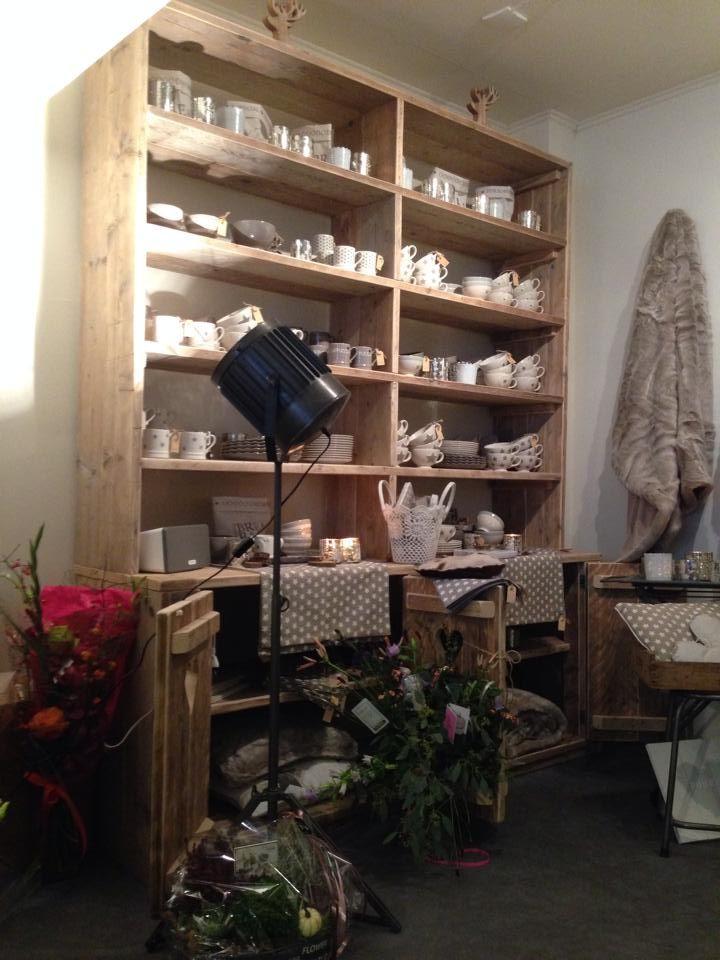 mobilier pro en ancien bois d'échafaudage