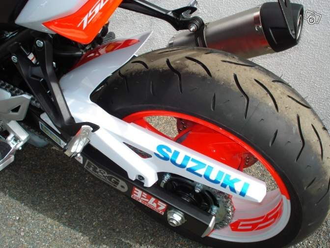 Suzuki GSR-750 Toxic | Hunter K