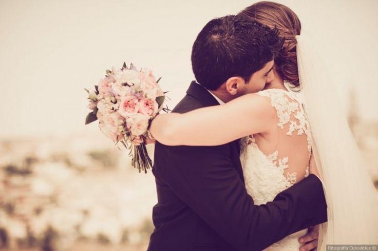 Las fotos más románticas de tu boda  #wedding #bodas #boda #bodasnet #decoración #decorationideas #decoration #weddings #inspiracion #inspiration #photooftheday #love #beautiful #bride #groom #awesome