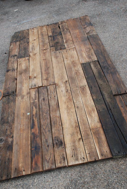 A pallet wood topper for your dining room table...genius!  You can add drama and more seating than your plan ol' table