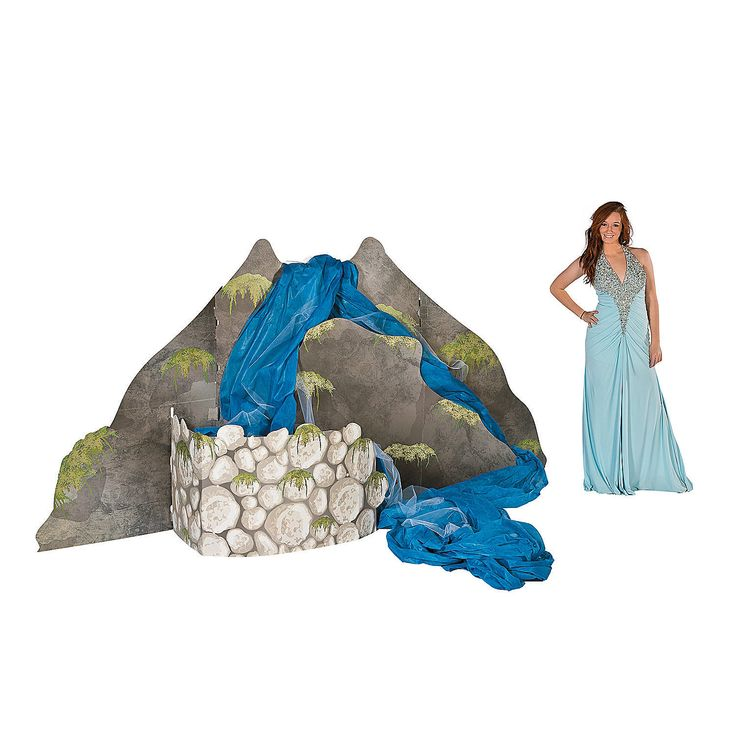 3D+Waterfall+-+OrientalTrading.com. Pretty sure I can make this. They want $125 & it doesn't include the water fabric!
