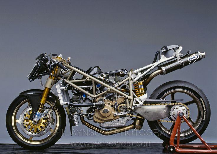 Die Oma der 998RS: Informationen zur Ducati 916Racing von 1994 und 1995