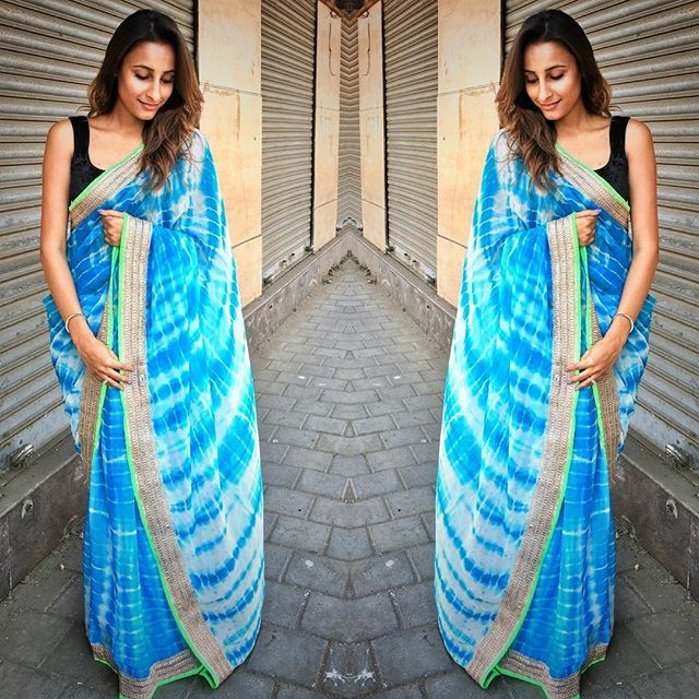 """Blue tie and dye georgette saree with green and gold border To purchase mail us at houseof2@live.com  or whatsapp us on +919833411702 for further detail #sari #saree #sarees #sareeday #sareelove #sequin #silver #traditional #ThePhotoDiary #traditionalwear #india #indian #instagood #indianwear #indooutfits #lacenet #fashion #fashion #fashionblogger #houseof2 #indianbride #indianwedding #indianfashion #bride #indianfashionblogger #indianstyle #indianfashion #hudabeauty"" Photo taken by…"