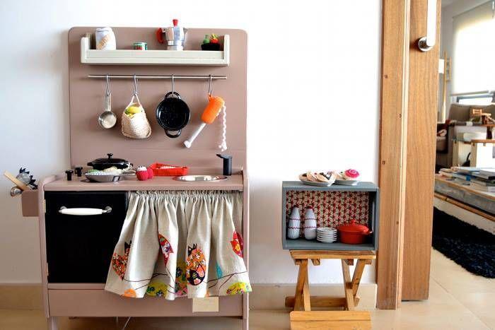 1001770 396874207097376 372019186 n Le cucine giocattolo rètro di Macarena Bilbao