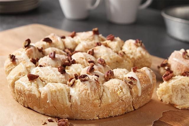 No need to get out the flour and wooden spoon—this Sweet & Nutty Pull-Apart…