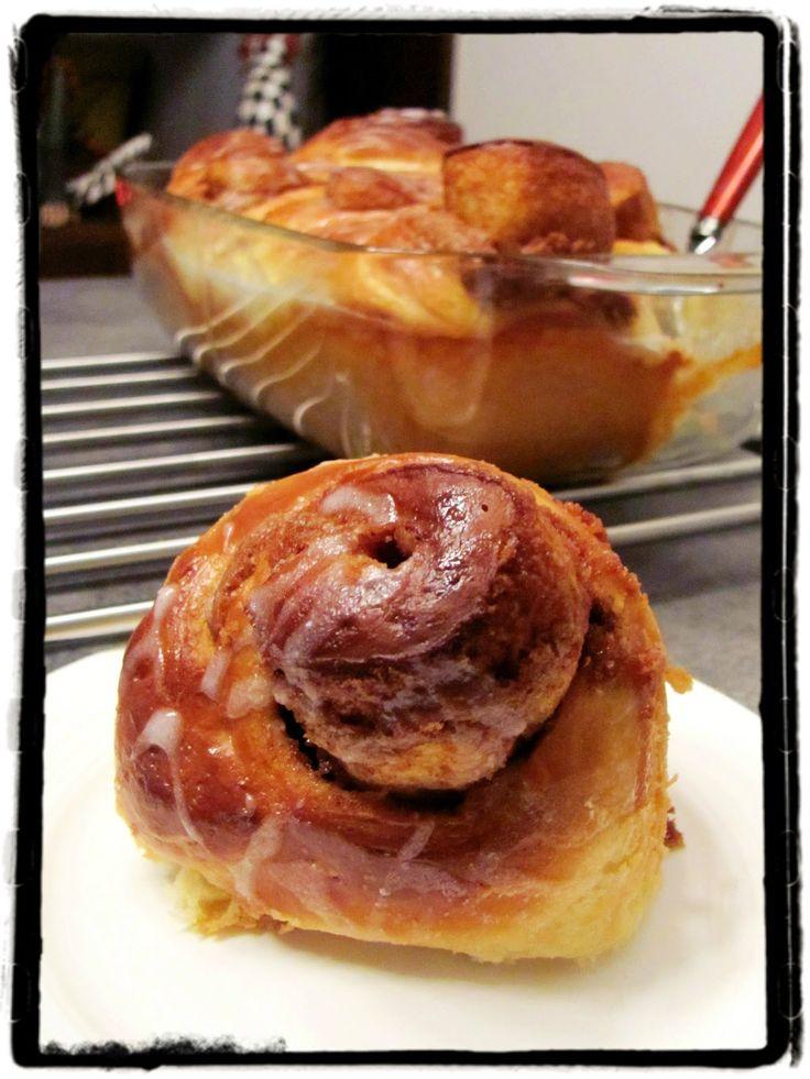 Z ghetta blog: Skořicové suky (Cinnamon rolls)