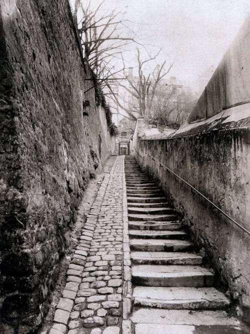 EUGÈNE ATGET    Passage des eaux, Passy, Paris (XVIème arr.), Mars 1901.