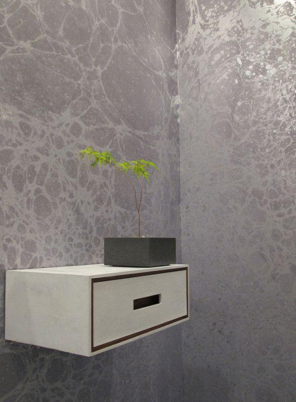 Metallische Tapeten weiß regal