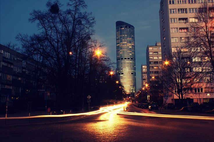 ul.Krucza w stronę Sky Tower