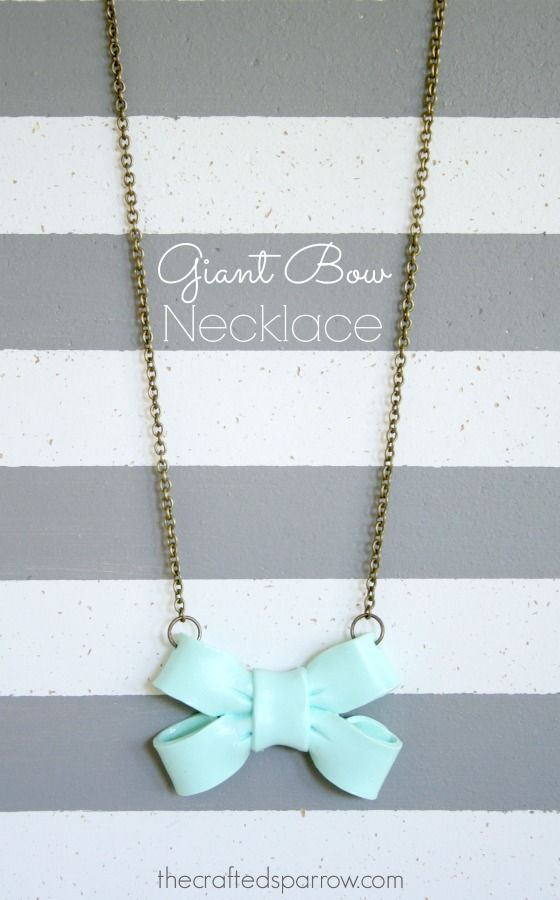 Giant Bow Necklace Tutorial on { @Stephanie Close Close Close Luna.com } #necklace #jewelry