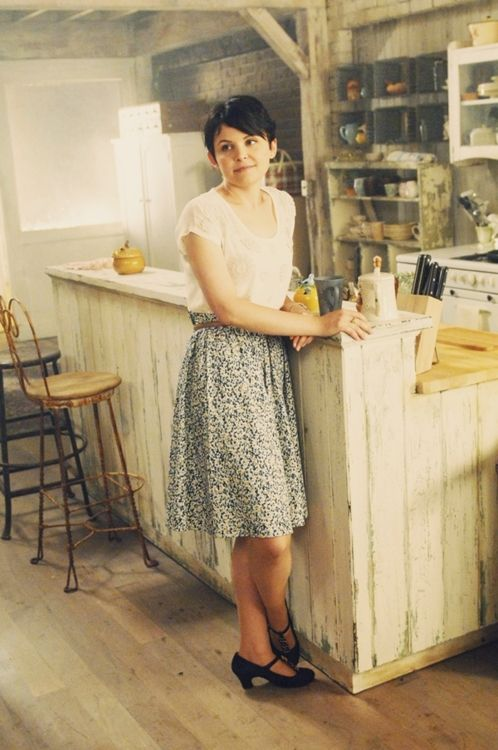 Entirely smitten with Mary Margaret's home in 'Once upon a time...'