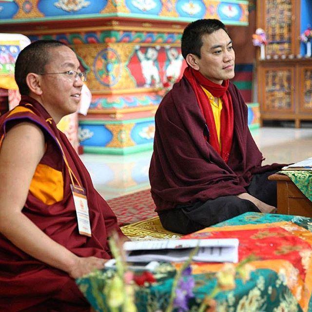 Dolpo Tulku Sherab Sangpo with H.E. Mugsang Kuchen Rinpoche in Boudh Gaya in 2015. 🙏💐🌸💮🌹🌷🌼🌻🌺 #tulku #reincarnation #reincarnate #rinpoche #palyul #mugsangrinpoche #kuchen #dolpo #dolpotulku #lama #buddhism #blessings #peace #compassion #nyingmapa #vajrayana #palyultulku