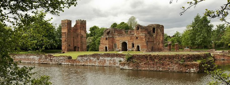 Kirby Muxloe Castle, which was left unfinished after William, Lord Hastings's execution
