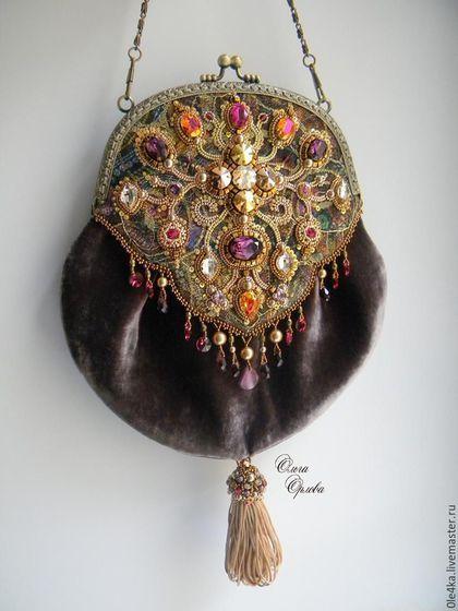 Палевая романская сумочка