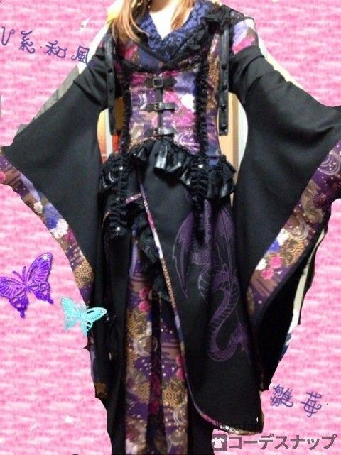 着るの大変(^^;; でもお気に入りV(^_^)V コメントください⊂((・x・))⊃ ===== ファッションタイプ:個性派 ポイントアイテム:トップス ▼着用アイテム ボトムス キューティー 紫、はかまスカート トップス キューティーフラッシュ 紫、はおり1 トップス キューティーフラッシュ 紫、はおり2 トップス キューティーフラッシュ 紫、コルセット