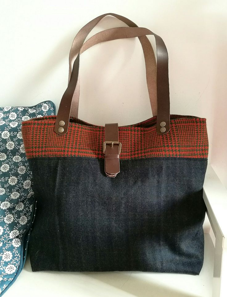 Hand made bag. Pied de poule, tartan, leather, made in Italy.