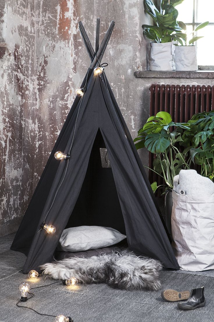 Take a look on this gorgeous and original tipi!! - Found on Granit