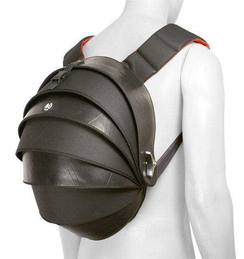 Foto de mochila con neumaticos reciclados cyclus bogota for Muebles para zapatos bogota