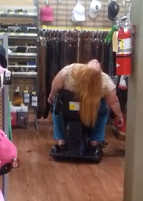Go To Sleep Fast with Sleeping Aids at Walmart: Guaranteed to Knock You Out - Funny Pictures at Walmart http://ibeebz.com