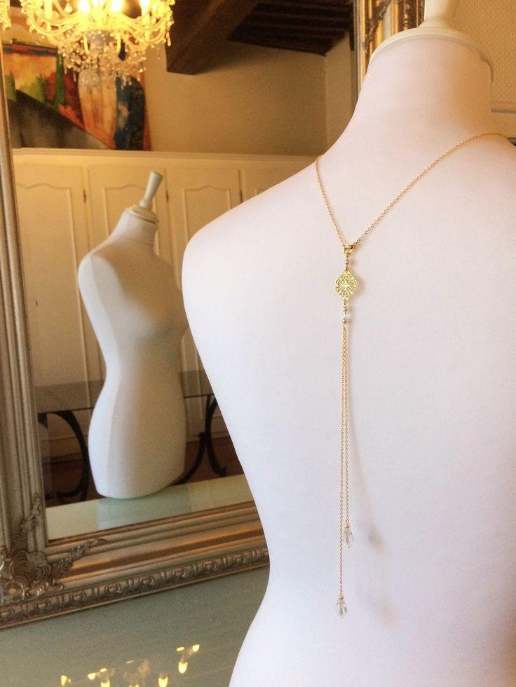 14 best bijou de dos mariage images on pinterest for Robe pour mariage cette combinaison collier perle mariage