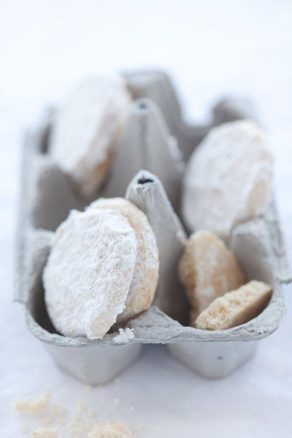 Gluten Free Lemon and Almond Meltaways :: Cannelle et VanilleCannelle ...
