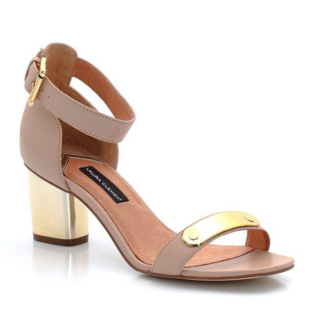 Sandálias em pele, com tacão largo