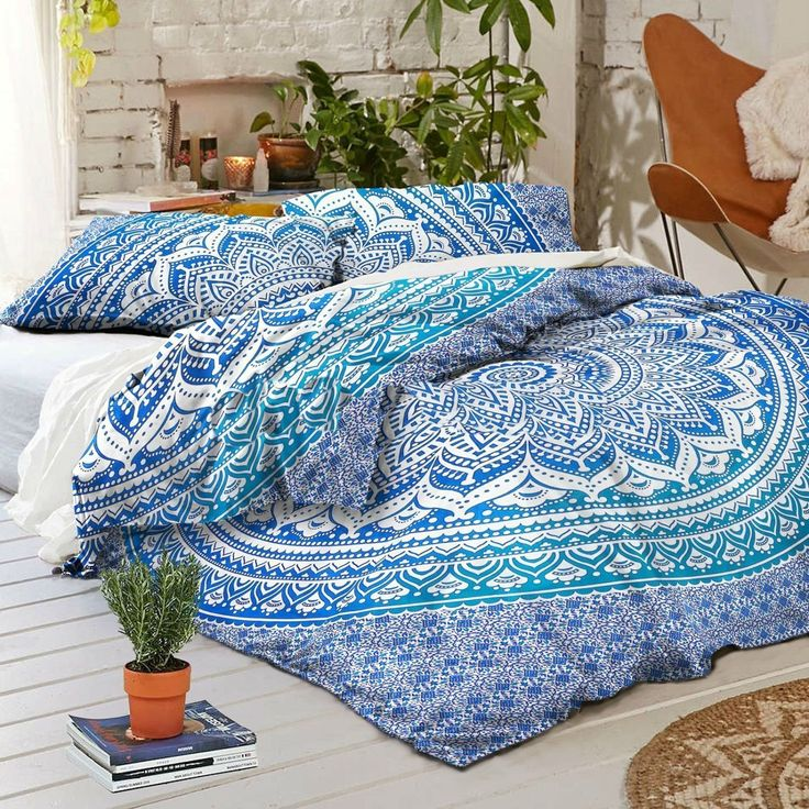 Duvet Fits a Full Size Comforter and looks great on a twin size or full size bed. - MADE IN INDIA:-Beautifully Hand Crafted By Local Artists - A wonderful example of Indian craftsmanship. - Blue Ombre