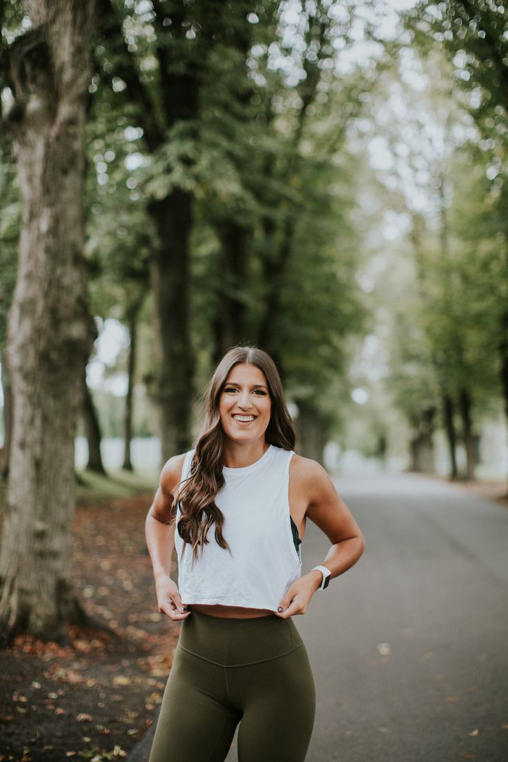 align pant, adidas nmd sneaker, lululemon activewear, weekly workout routine, weekly exercises, athleisure outfit // grace wainwright @asoutherndrawl