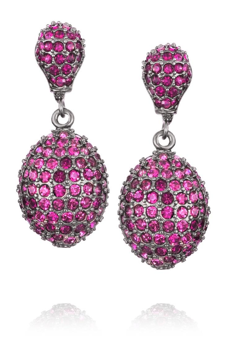 Vackra klassiska örhängen i lila *Beautiful classic earrings in purple