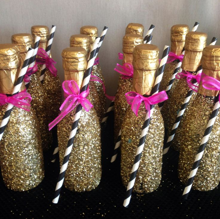 Bachelorette Party Ideas - Champagne Bar! #danishandmadewedding