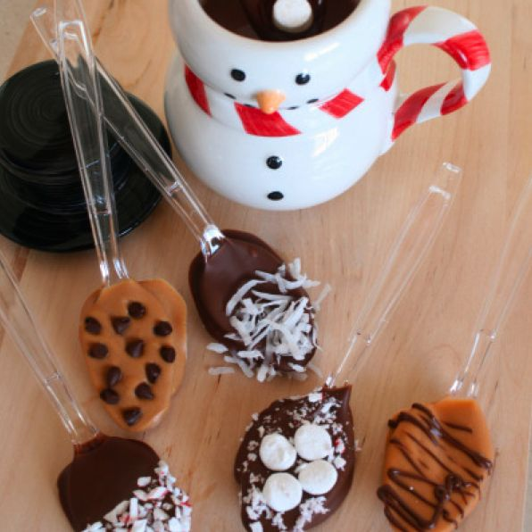 holiday_hot_chocolate_spoons.png: Chocolate Spoons, Gifts Ideas, Gift Ideas, Dips Spoons, Chocolates Spoons, Hot Chocolates, Chocolates Dips, Hot Cocoa, Christmas Gifts