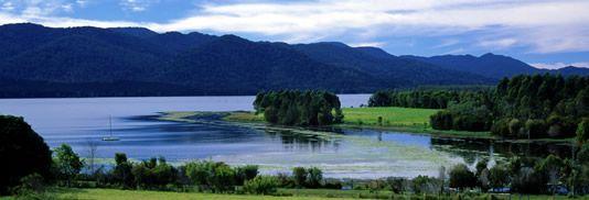 Atherton Tablelands Lake Tinaroo Dam Pelican Point